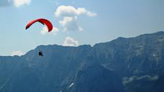 Paraglider vor Wettersteingebirge