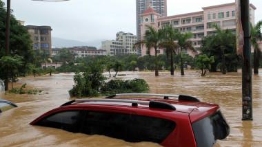 inundatie inundatii masina - GettyImages - 15 iulie 2015