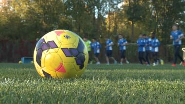 antrenament csms minge de fotbal