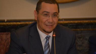 Victor Ponta look nou FB 09-1.07 2