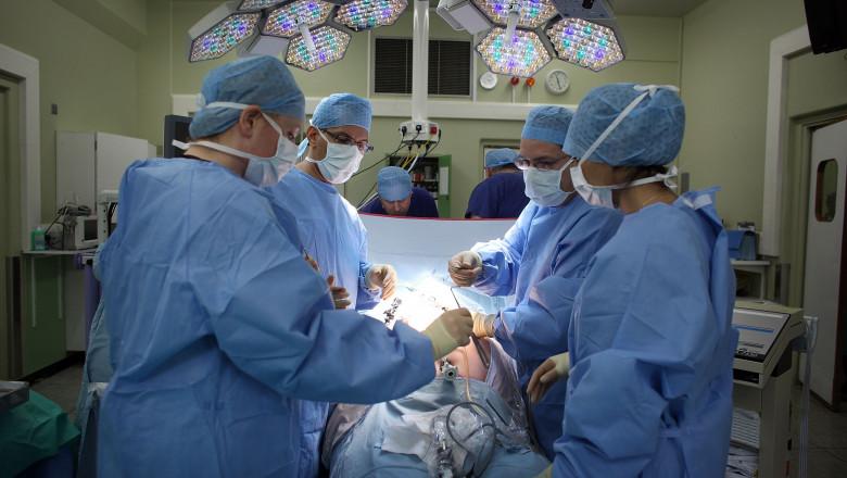 chirurgi sala de operatie - GettyImages - 10 iulie 2015