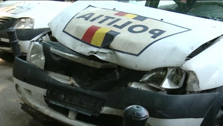 masina politie lovita - captura tv - 31 iulie 2015