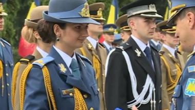 femeie militar