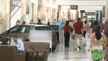oameni mall - captura tv - 9 iulie 2015