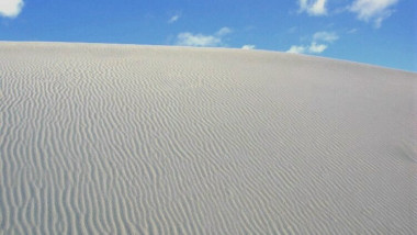 DESERT white-sands-national-monument WIKIMEDIA