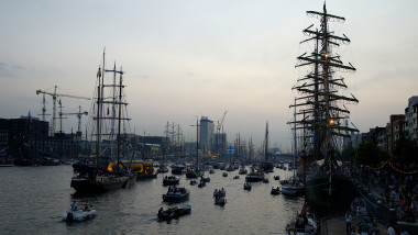 barci nave amsterdam - GettyImages - 20 august 2015