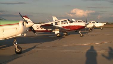 avioane parcate