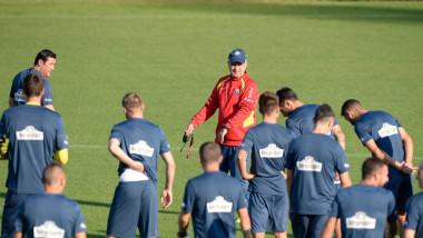 anghel iordanescu antrenor echipa nationala a romaniei 03 09 2015 facebook