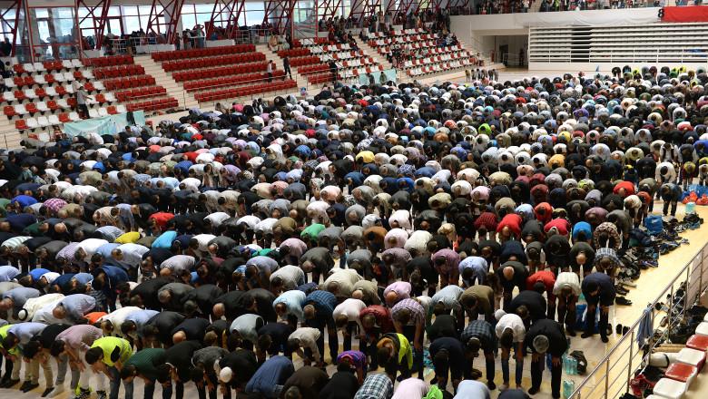 musulmani-bayram-stadion-agerpres-24.9.2015
