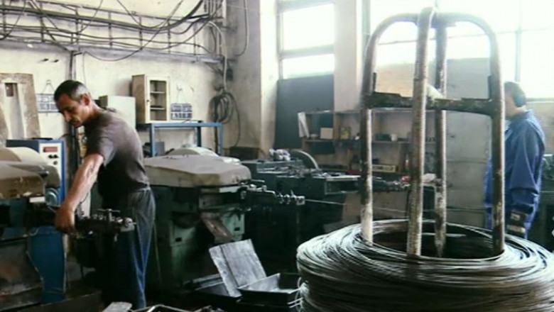 muncitori fabrixa-1