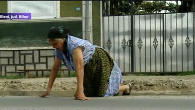 femeie drum cu scara 1
