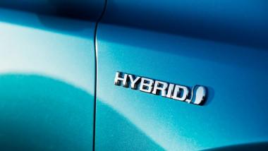 Toyota-RAV4 Hybrid 2016 1024x768 wallpaper 34