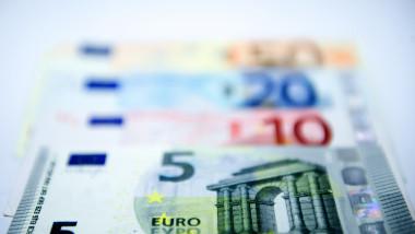 ECONOMIE BANI EURO BANCOTE AGERPRES