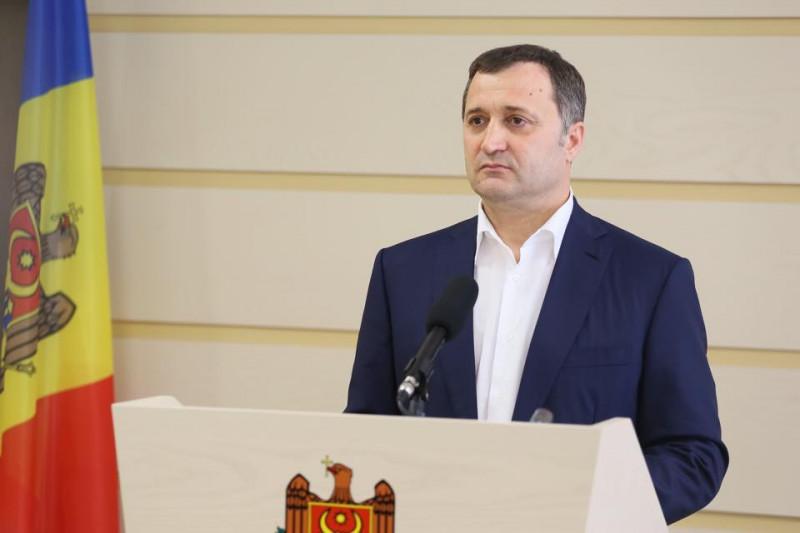 VIDEO. Vlad Filat a fost reținut pentru 72 de ore. Au loc percheziții la  domiciliul său și la sediul partidului