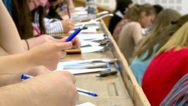 studenti examene sesiune