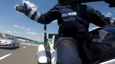 politist pe motocicleta captura