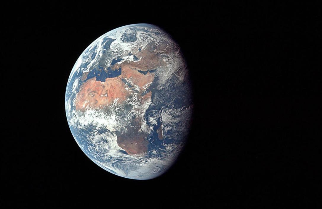 "Studiu NASA: Pamantul ""se clatina"" din cauza unei suprasarcini laterale"