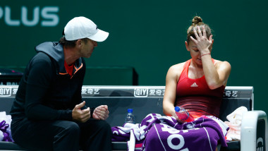 halep cahill GettyImages-494785280