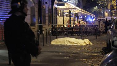 PARIS 10 VICTIMA POLITIST STRADA GettyImages-497045936