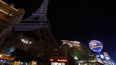 GettyImages-Turnul Eiffel atentate Paris