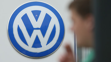 volkswagen sigla corporate GettyImages-489539186