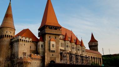 castelul corvinilor - captura tv - 15 iulie 2015