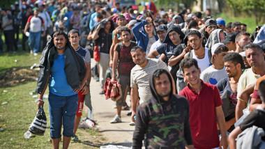 imigranti - tovarnik - GettyImages-488868826-1