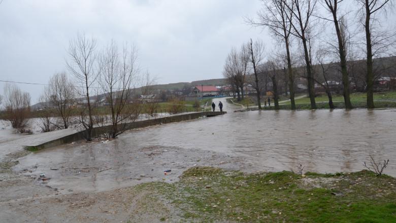 inundari controlate