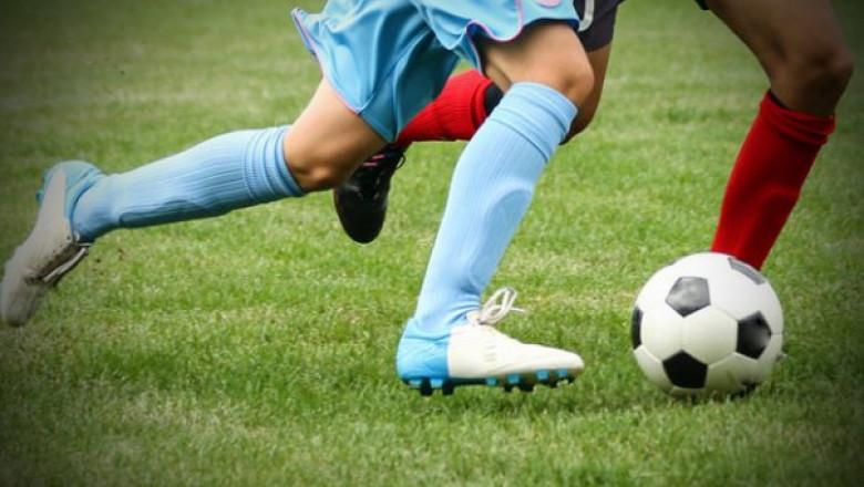 picture-tackling fotbal.jpg-604-423-1-85