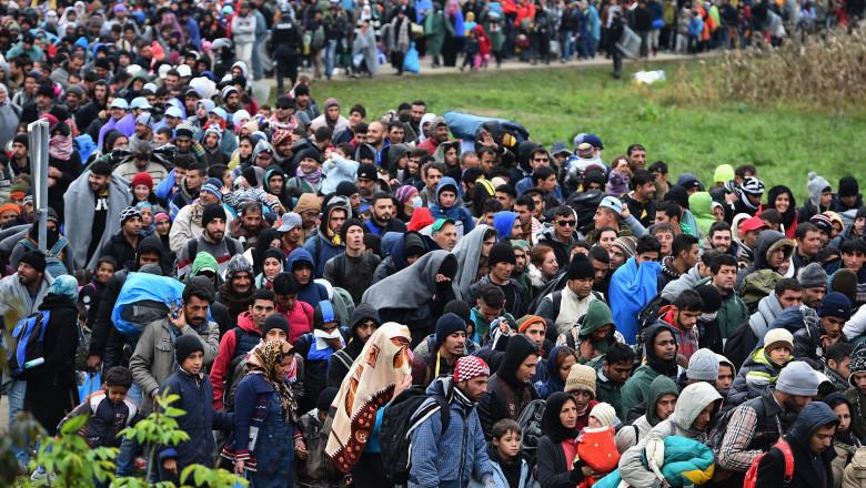 refugiati migranti slovenia - GettyImages - 22 oct 15-2