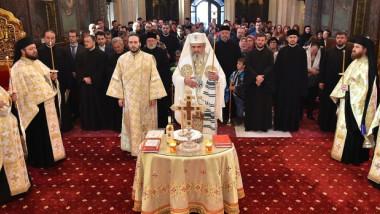 slujba de pomenire a victimelor din colectiv patriarh daniel foto basilica ro