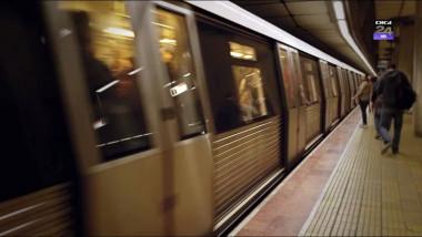 oameni la metrou digi24