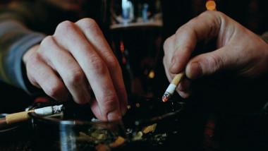 scrumiera tigari fumatori - getty - 8 oct 15-1