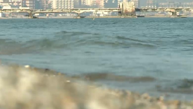 vreme de primavara la mare