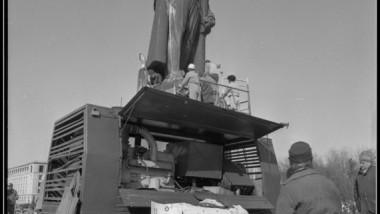 15-Lenin-in-Bucharest-3-martie-1990-Foto-Dinu-Lazar