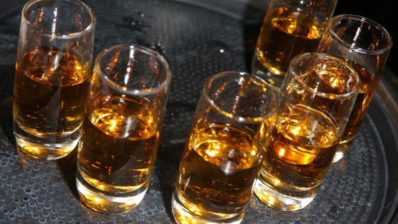 alcool pahare bautura