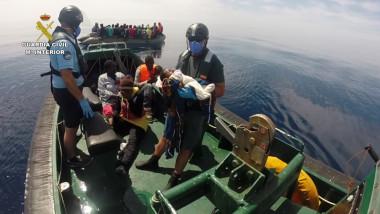 refugiati bebelus salvat garda de coasta spania