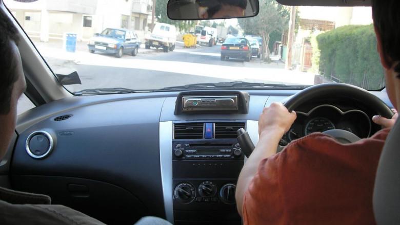 volan pe dreapta - wiki - oleh kernitski