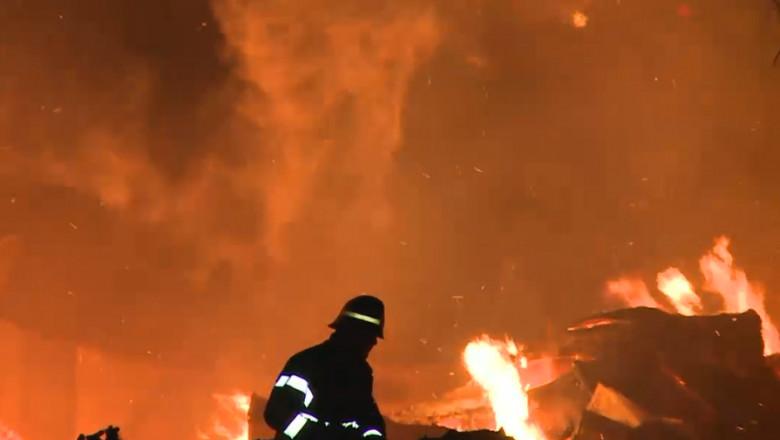 pompier incendiu neamt