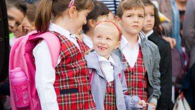 Elevi inceput de scoala inquamphotos.com septembrie 2015