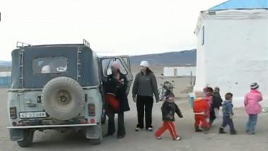 copii mongolia masina