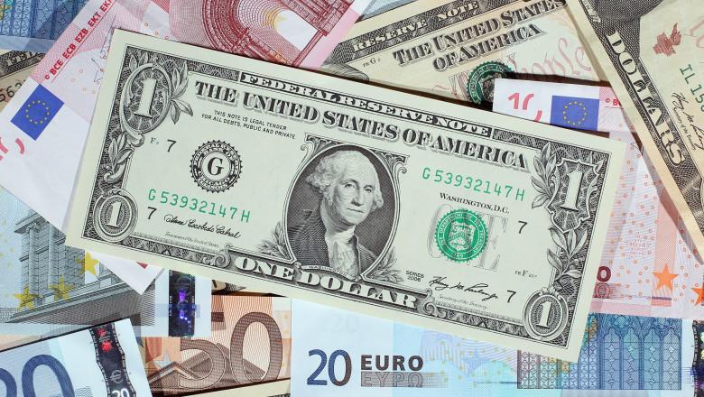 bani euro dolari GettyImages-107158537-6