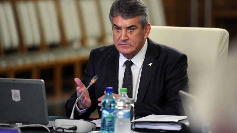 Gabriel Oprea sedinta de Guvern gov 2 -1