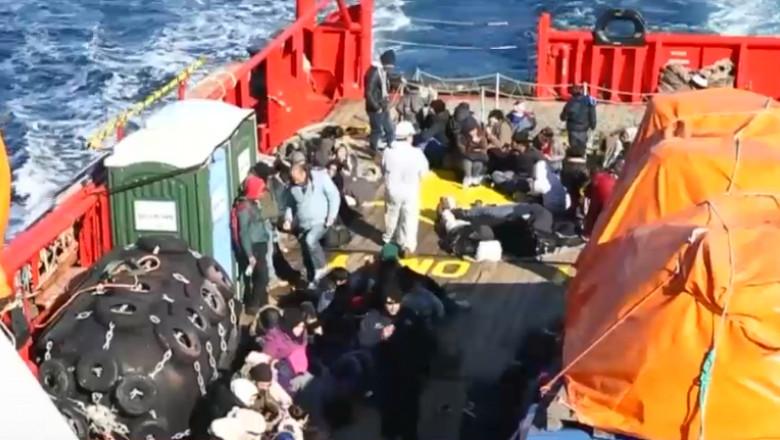 refugiati pe mare