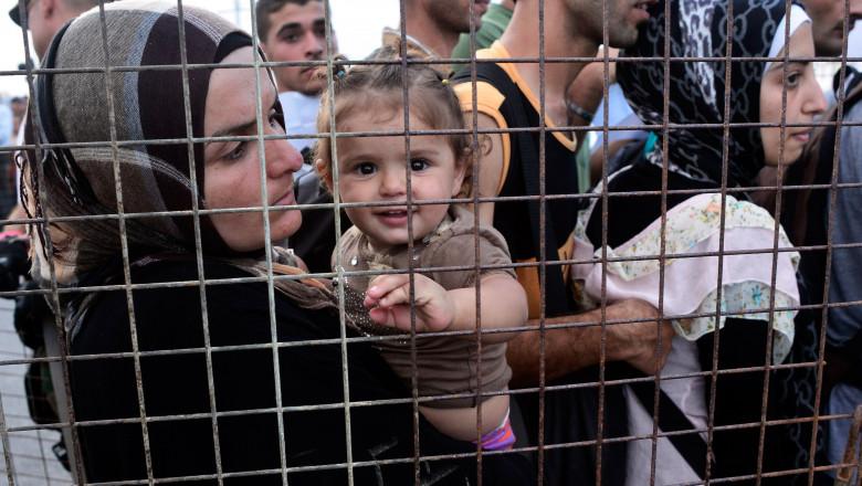 refugiati copii gard getty