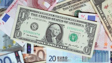 bani euro dolari GettyImages-107158537