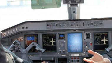 imagini cockpit foto facebook aeroportul avram iancu cluj-1