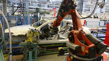 robot masina
