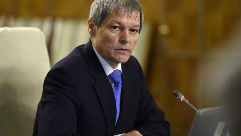 Dacian Ciolos sedinta de guvern gov-5.ro