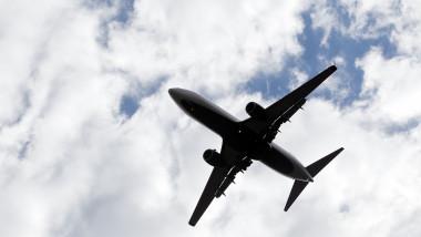 Avion in zbor - GettyImages 107846319